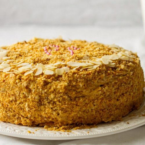 Кулинарный рецепт: Торт «Медовик» с заварным кремом на ГОТОВИМ СМАЧНО