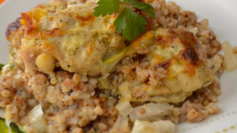 Кулинарный рецепт: Гречка с курицей в духовке на ГОТОВИМ СМАЧНО