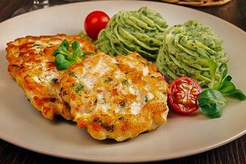 Кулинарный рецепт: Рубленые куриные котлеты с сыром и майонезом на ГОТОВИМ СМАЧНО