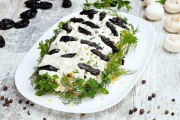 Кулинарный рецепт: Салат «Белая береза» с черносливом на ГОТОВИМ СМАЧНО