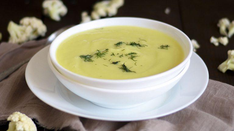 Кулинарный рецепт: Суп-пюре из цветной капусты с кабачком на ГОТОВИМ СМАЧНО
