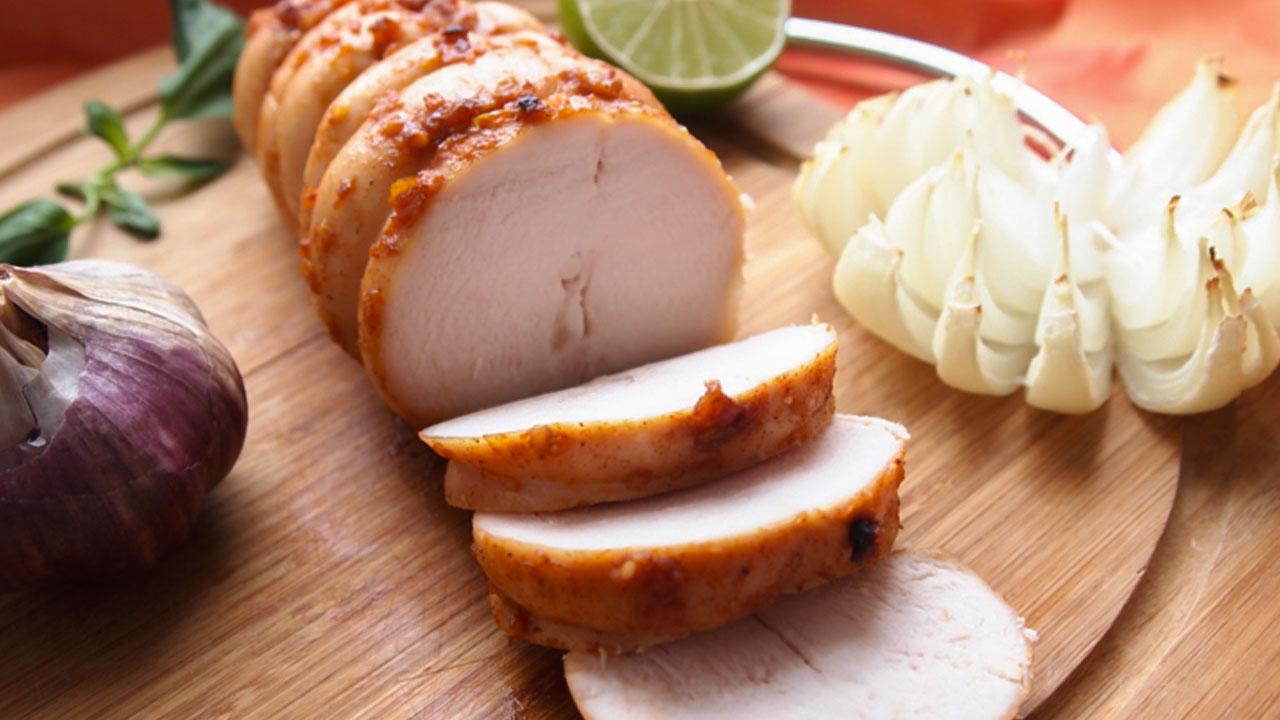 Картинки по запросу Лучшая колбаса — это куриная пастрома