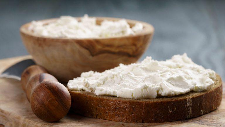 Кулинарный рецепт: Сыр «Филадельфия» в домашних условиях на ГОТОВИМ СМАЧНО