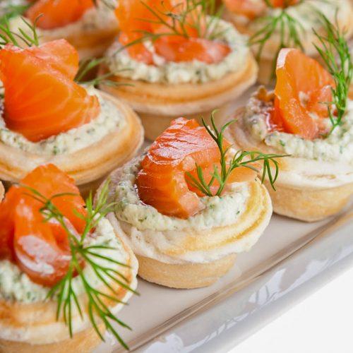 Кулинарный рецепт закуски: Тарталетки с сыром и семгой на ГОТОВИМ СМАЧНО