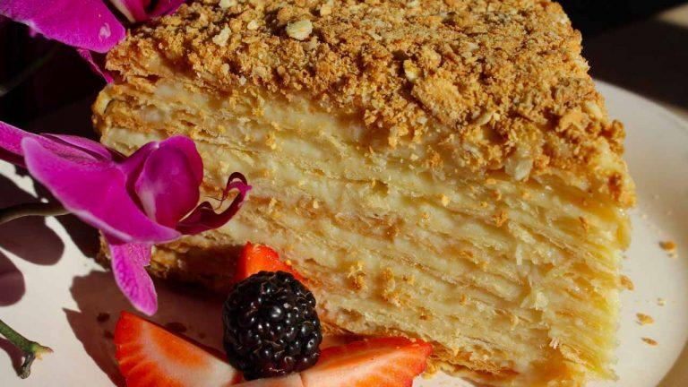 Торт «Наполеон» с заварным кремом