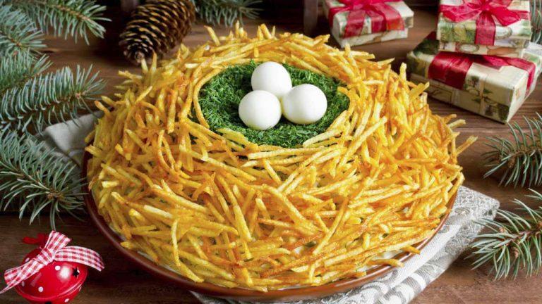 Салат «Гнездо глухаря» с курицей