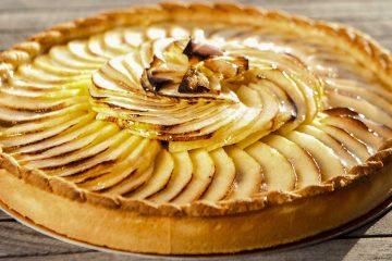 Кулинарный рецепт: Ванильная «Шарлотка» с яблоками и цедрой лимона на ГОТОВИМ СМАЧНО