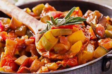 Кулинарный рецепт: Овощное рагу из картофеля и кабачков на ГОТОВИМ СМАЧНО
