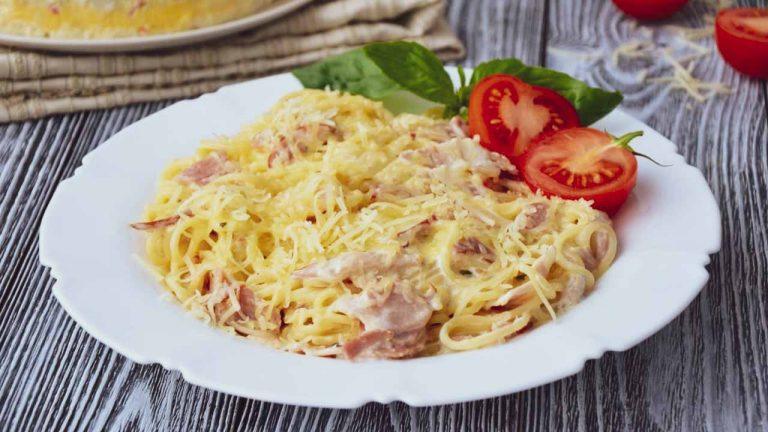 Кулинарный рецепт: Паста «Карбонара» с беконом и сливками ~ ГОТОВИМ СМАЧНО
