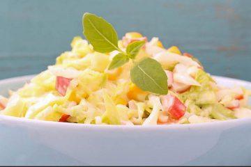 Кулинарный рецепт: Салат из крабовых палочек и капусты с кукурузой ~ ГОТОВИМ СМАЧНО