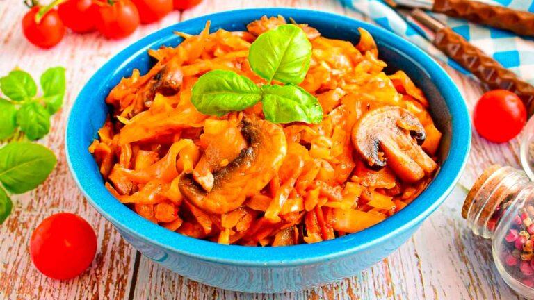 Кулинарный рецепт: Солянка с капустой и грибами